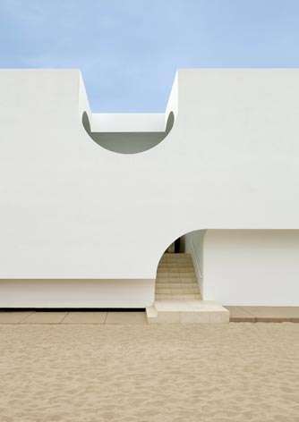 Ocean-Immersing Beach Houses - The Ocean is Visible From Any Room of This Beachfront House