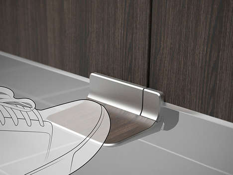 Pedal Door Handles - The Foot Latch Facilitates the Hands-Free Use of Bathroom Stalls