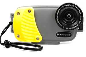 The Watershot Pro Lets You Use Your iPhone Camera Under Water