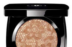 Lace-Texture Makeup