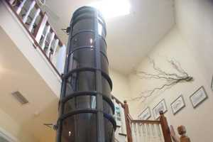 This Vacuum Elevator Uses a Pneumatic System to Operate
