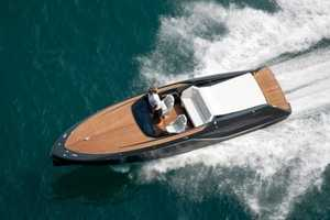 The Frauscher 858 Fantom Combines Speed, Power and Elegance