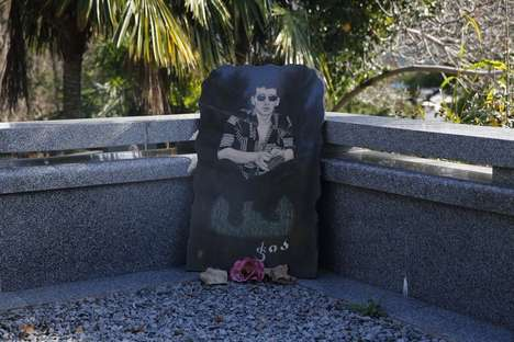 Embellished Grave Photography - This Series Captures the Graves of Georgian Mafiosos