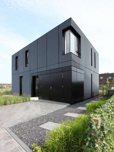 Sharp Triangular Abodes - The VDVT House by Boetzkes | Helder Uses a Geometric Approach
