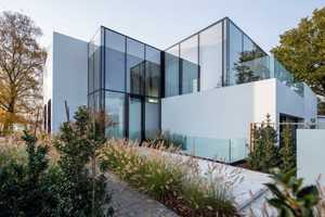 House at a Lake by BBSC Architects Features Mostly Glass