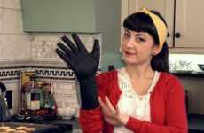 The Silicone Power Glove Oven Mitt Gives You the Power of Each Finger
