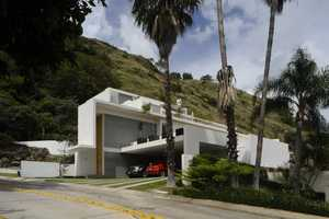 The 'Mountain House' by Agraz Arquitectos Crosses a Hotel with a Home