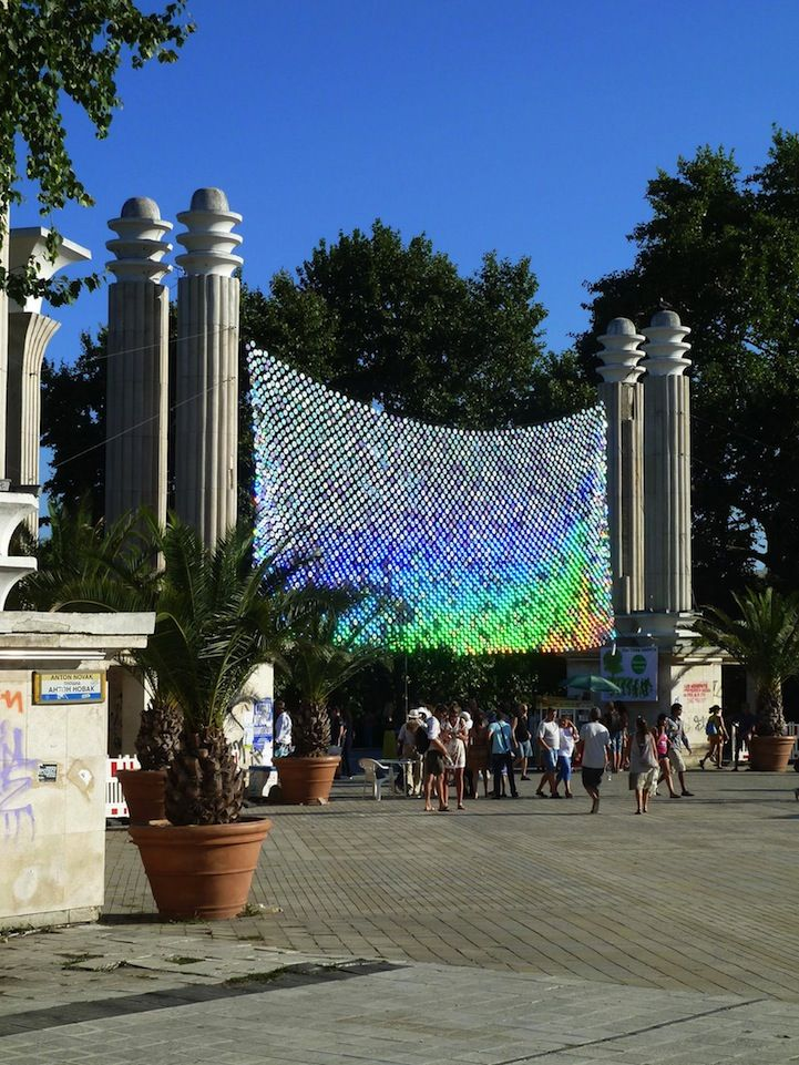 Fish Scale-Like CD Installations