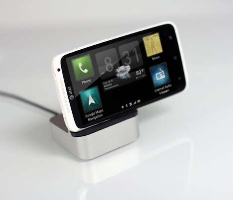 Multiple Device-Supporting Docks - The EverDock Will Charge Whatever Device Model You Choose