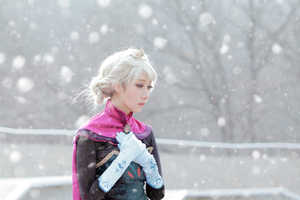 This Icy Elsa Cosplay Series Will Send Chills Down Your Spine