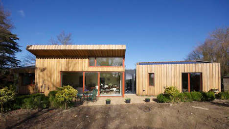 Wrapped-Around Timber Abodes - Forrester Architects Blends This House with its Surroundings