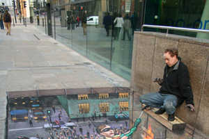 The Street Artist Julian Beever Creates Eye-Catching 3D Drawings
