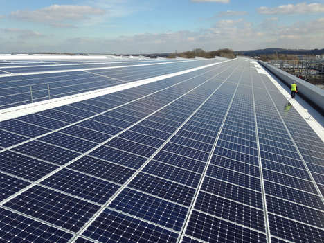 Massive Solar Panelled Roofs - Jaguar Land Rover Puts in the Largest Energy-Efficient Rook in the UK