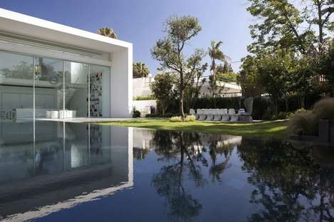Minimalist Sky-Reflecting Homes - Pitsou Kedem Designed This Impressive Dwelling