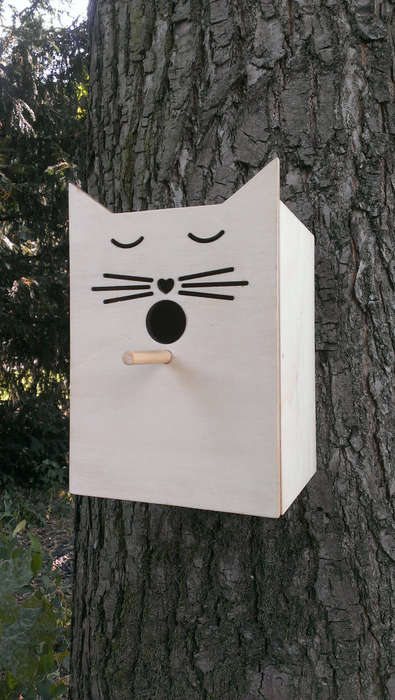 Humourous Feline Bird Houses - This Bird House is Ironically Painted to Look Like a Cat