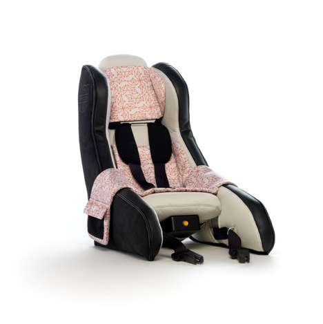 Inflatable Child Car Seats - This Inflatable Child Seat by Volvo Can Be Carried Around as a Backpack