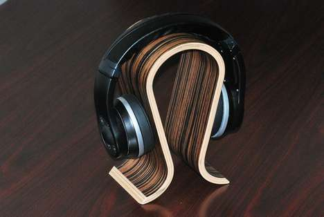 Swank WiFi Headphones - The Streamz Headphones Can Receive and Play Music Wirelessly