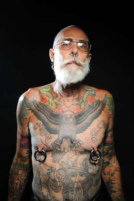 Tattooed Senior Photography - Reddit User 'clevknife' Captured Photos of Tattooed Seniors