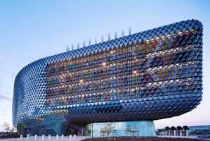 SAHMRI by Woods Bagot Looks Like a Living Organism