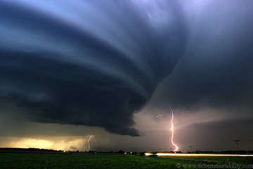 Storm Chasing Bloggers - 10 Killer Storm Photos