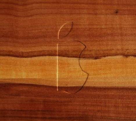 The Apple Wood Cutting Board Flaunts the Design of the MacBook Pro