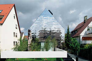 The wz2 Mirror Home Practically Disappears into the German Street
