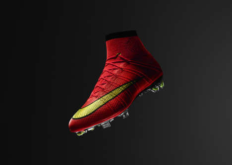 Sock-Integrated Soccer Shoes - Nike Revolutionizes the Mercurial Vapor with the Dynamic Fit Collar