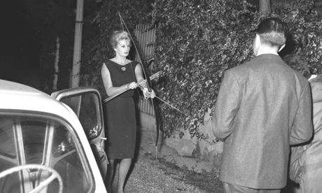 Paparazzi Photo Exhibits - The 'La Dolce Vita' Exhibit Shows 50s & 60s Hollywood Culture in Rome