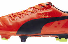 Featherweight Soccer Shoes - The Puma evoPOWER Boots Provide Power, Accuracy and Comfort