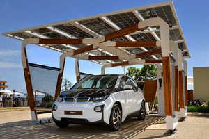 The Latest BMW Electric Car Refuels in a Solar Carport