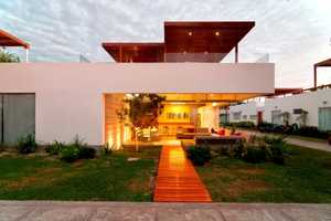 Casa Seta by Martin Dulanto is Open to the Public