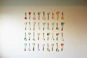 This Painted Spoon Wall Art Combines Artistic Qualities with Household Goods