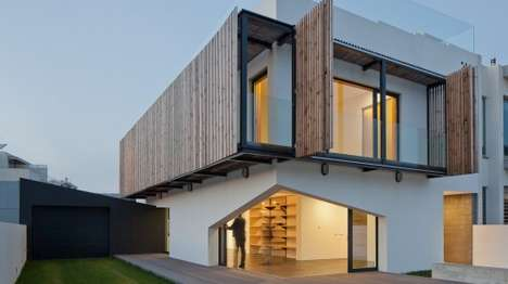 Eco-Friendly Portuguese Homes - Miramar House is Located in a Picturesque Portuguese Town