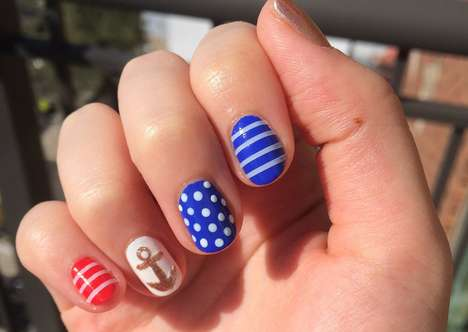Patriotic Memorial Manicures - This American Flag Manicure is Perfect for Memorial Day Weekend