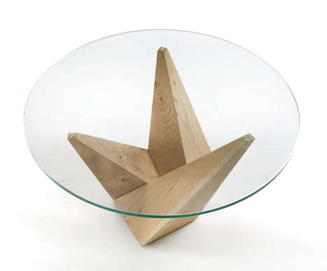 Pyramidal Furniture Bases - The Peak Table by Claudio Bellini Boasts Geometrical Dimensions