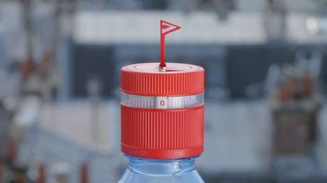 Hydration-Reminding Bottle Caps - The 'Refresh Cap' Reminds People to Drink Every Hour