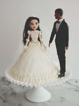 Celebrity Worshipping Cakes - The KimYe Wedding Cake is for the Ultimate Super Fan