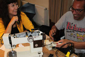 Repair Cafe International Lets You Learn How to Fix Trinkets