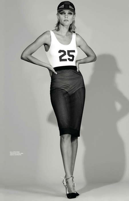 Sporty Sophistication Editorials - Jessica Stam Covers the Latest Issue of L'officiel Mexico