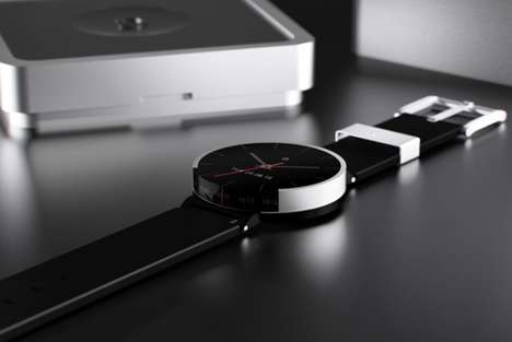 Simplified Smartwatches - The Cyclus Watch by Holy Tracks Fitness and Interprets Smartphones