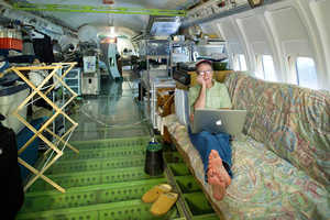 Bruce Campbell Has Converted an Old Boeing 727 Into a Home
