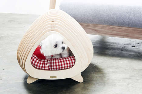 Skeletal Animal Homes - The Wooden Fishbone House is Ideal for Cats and Dogs to Sleep in