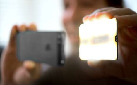 Credit Card-Sized Flashes - The Nova Off-Camera Wireless Flash is Made for iPhone Users