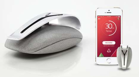 Wearable Breath Trackers - Spire Monitors Breathing to Prompt People to Calm Down When Necessary