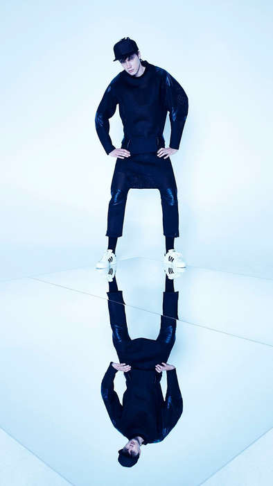 Edgy Alter-Ego Lookbooks - The Byungmun Seo Spring/summer 2015 Catalog Captures Mirrored Views