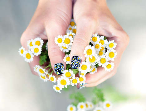DIY Daisy Manicures - This Beauty Tutorial Teaches You How to Draw Daisy Flowers on Your Nails