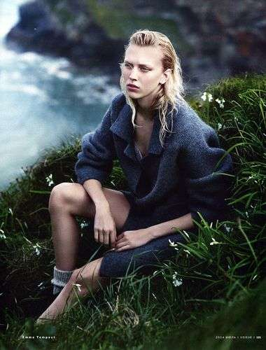 Chic Shipwrecked Editorials - The Vogue Russia July 2014 Juliana Schurig Photoshoot is Beached
