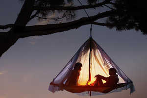 The Hanging Cliff Cabana is the Perfect Place to Relax in the Trees