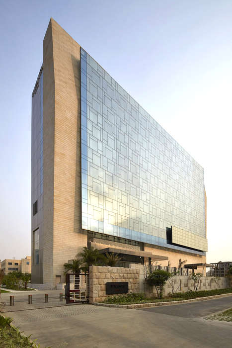 Royal Architecture Hotels - The Vivanta by Taj Hotel is Based on Royal Designs
