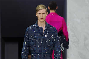 The Louis Vuitton Spring/Summer 2015 Collection is Elegantly Uniformed